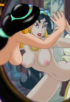 Nude Jasmine poses